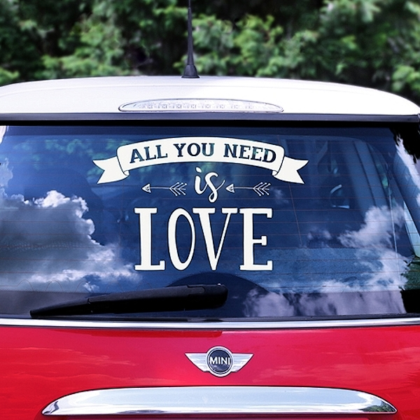 SAMOLEPKA na auto All you need is love bílá 33x45cm