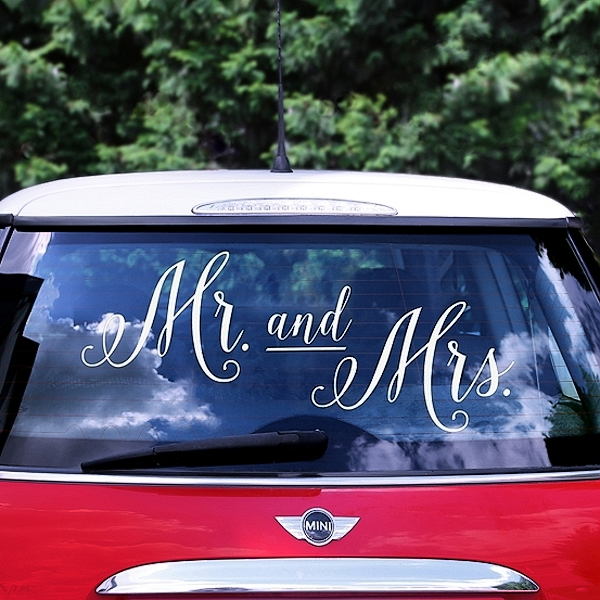 SAMOLEPKA na auto Mr. and Mrs. Bílá