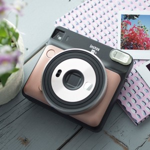 Instax SQ 6 rose gold 1